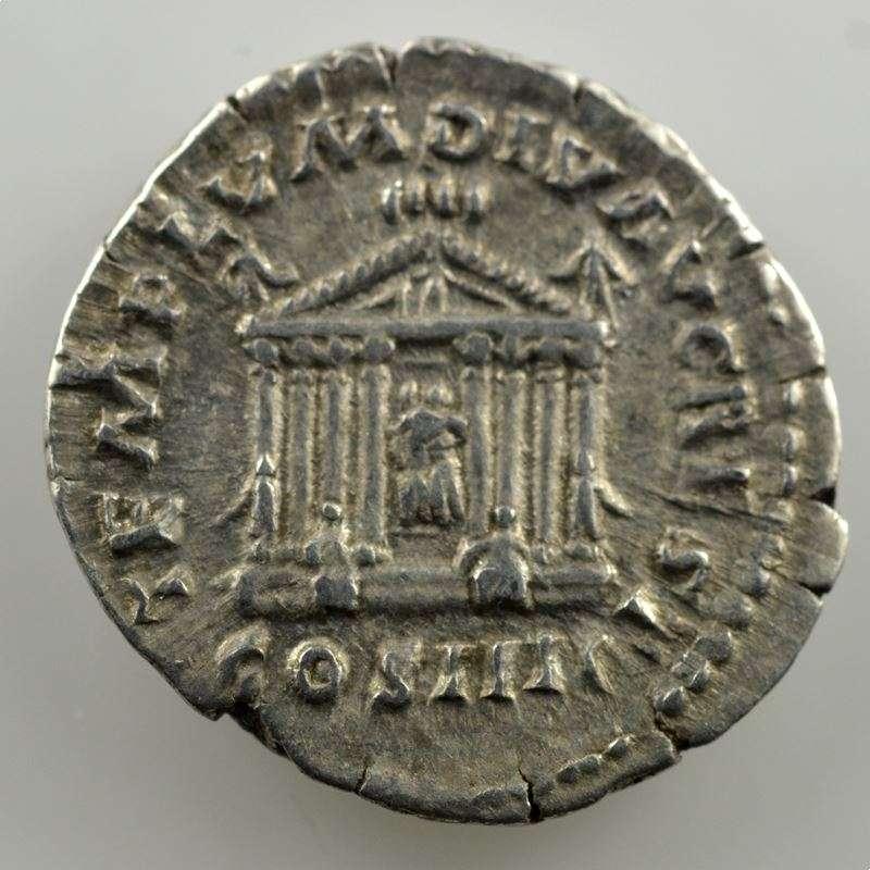 R/ TEMPLVM DIV AVG REST COS IIII   (Rome 158-159)    TTB+/SUP