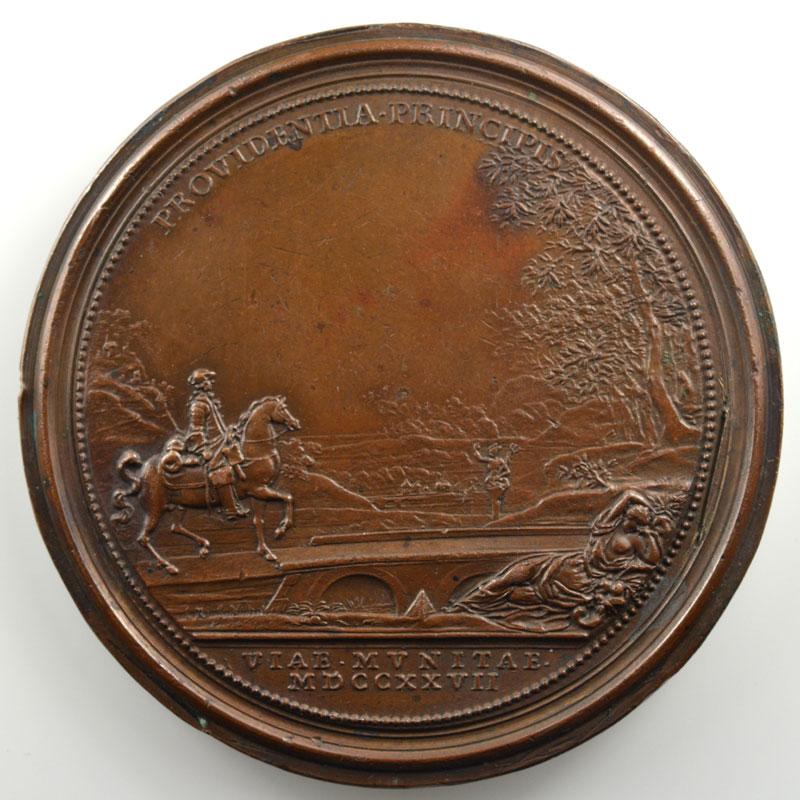Ferdinand de SAINT-URBAIN   Reconstruction des Ponts   1727   bronze   64mm    TTB+
