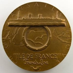M. RENARD   Médaille en bronze  54mm   Cie Gle Transatlantique   Ile de France   1949    SUP