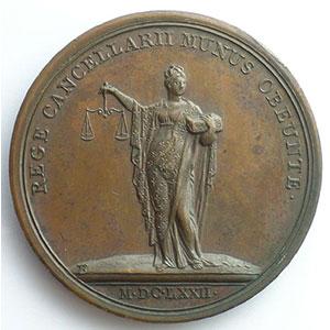 MAUGER/Thomas BERNARD   Le Roi tenant le sceau   bronze   41mm    SUP