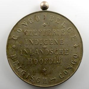 Médaille en maillechort avec bélière décernée aux chefs indigènes  69mm   Chefferie Indigène Inlandsche Hoofdij    TTB