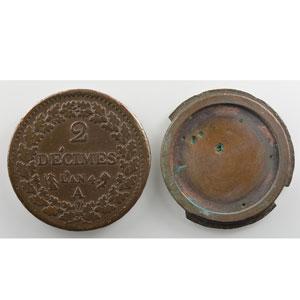 Monnaie dite de forçat réalisée avec 2 pièces de 2 Décimes, dont le revers An 4 A  (Paris)    TB+/TTB