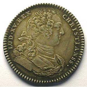 Photo numismatique  Monnaies Jetons & Médailles Jetons de l'Ancien Régime (Jetons royaux) Artillerie et Génie jeton rond en argent   Louis XV    SUP  rayures à l'avers