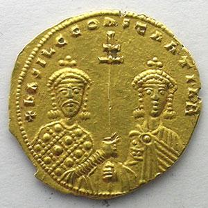 Photo numismatique  Monnaies Monnaies de l'Empire byzantin Basile II et Constantin VIII   (976-1025) Tetarteron Nomisma Constantinople    TTB+/SUP