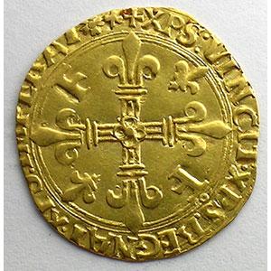 Photo numismatique  Monnaies Monnaies royales françaises François I   (1515-1547) Duplessy 775   Ecu d'or au soleil, 5° type Point 12° et trèfle  (Lyon)    TTB
