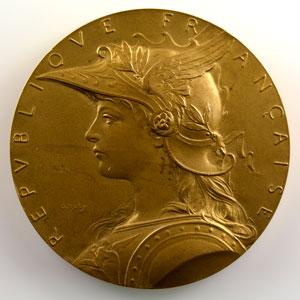 O. Roty   Gouvernement général de l'Indo-Chine   Médaille commémorative en bronze doré de l'exposition de Hanoï  1902-1903   50mm    SUP