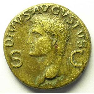 R/ CONSENSV SENAT ET EQ ORDIN P Q R  SC   (frappé à Rome sous le règne de Caligula 37-41)    TTB/TTB+