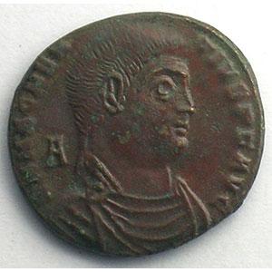 R/ VICTORIAE DD NN AVG ET CAES   (Arles 351-352)    TTB+/SUP
