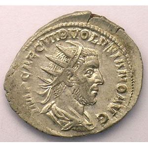 R/ VIRTVS AVGG   (Rome 252-253)    TTB/TTB+